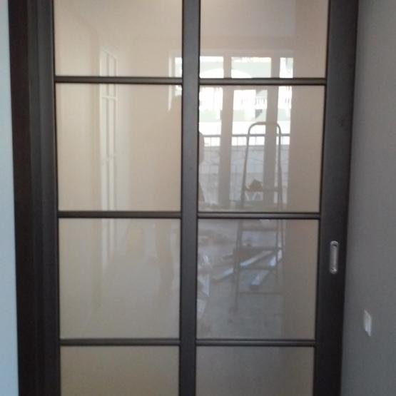 Межкомнатные двери Maestro Фрамуги и перегородки Дверь-купе со скрытым в стене механизмом